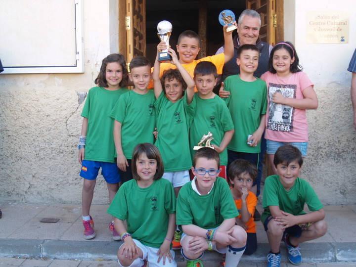 Armuña y Valdegrudas se llevan un campeonato en el que participaron más de 70 niños