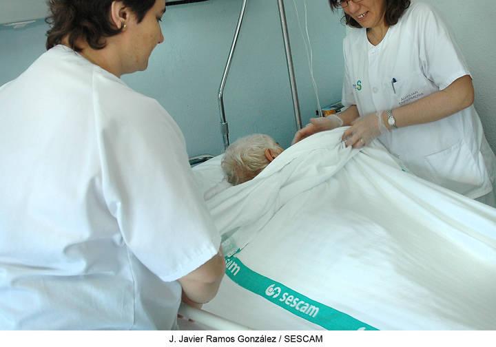 El Hospital de Guadalajara se implica en la prevención del cuadro confusional o delirium en pacientes mayores quirúrgicos