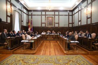 El presidente de la Diputación recibe a la Plataforma en Defensa del Ferrocarril Convencional
