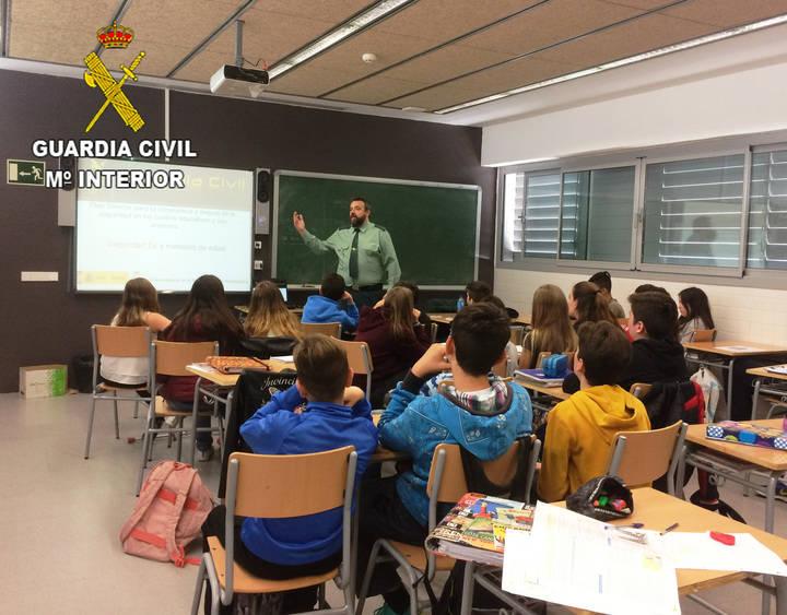 La Guardia Civil ha impartido 228 conferencias en centros de enseñanza de Guadalajara en el segundo trimestre