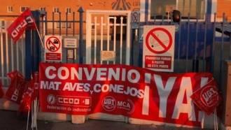 CCOO cifra en un 100% el seguimiento de la huelga en los mataderos de aves y conejos en Castilla-La Mancha