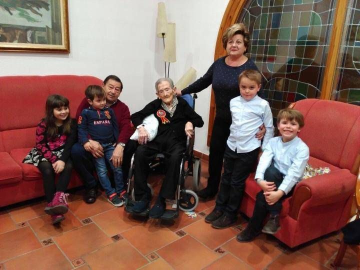 Doña Petra Terrel cumplió cien años en Sigüenza