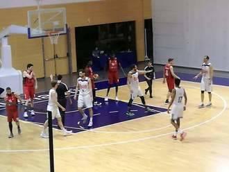 Un desconcertante Isover Basket Azuqueca cae ante un serio Real Madrid