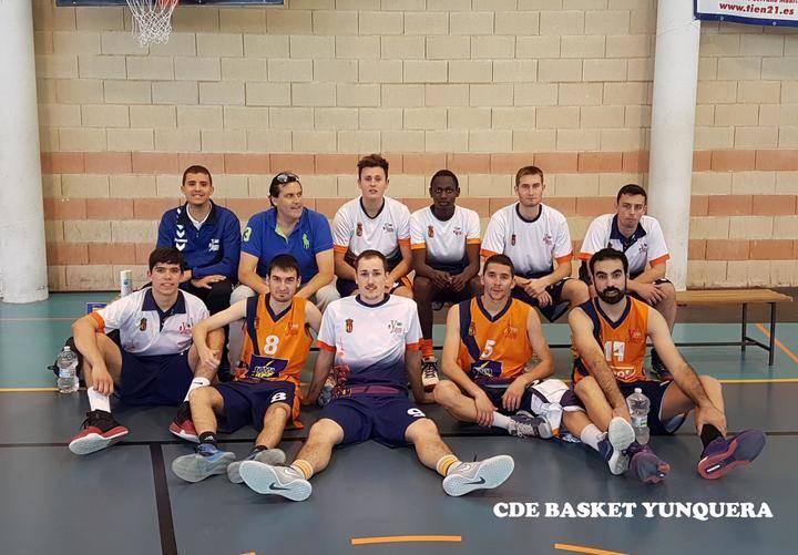 JUPER Basket Yunquera saca adelante un feo partido de ida en Argamasilla