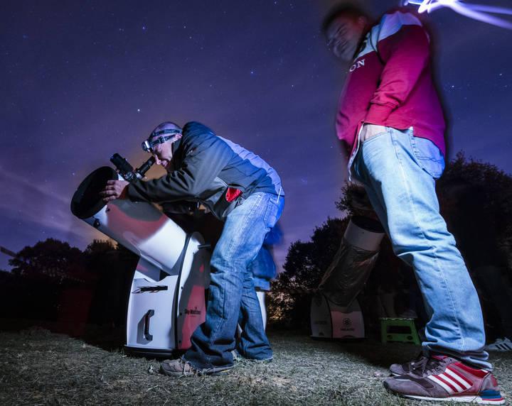 Durante tres horas, 250 personas exploraron desde Valdenazar el penúltimo cielo nocturno del invierno