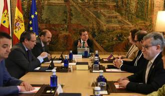 Después de tumbarle los presupuestos, Page anuncia recortes para los ciudadanos de Castilla La Mancha