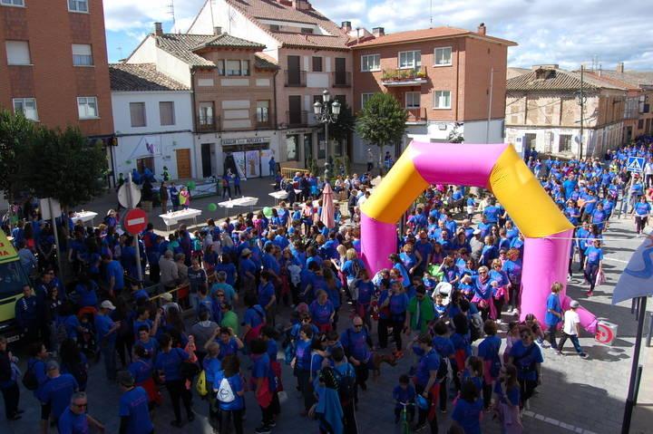 Abrumadora participación en la 4ª Marcha de la Mujer a favor de la lucha contra el cáncer en Yunquera de Henares