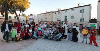 El pasacalles de carnaval volvió a la villa de Almonacid de Zorita