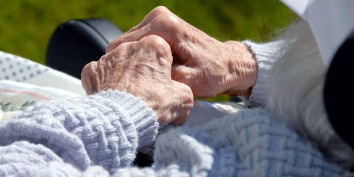 La Asociación de Alzheimer de Guadalajara no puede pagar sus nóminas porque no llegan las subvenciones prometidas por la Junta