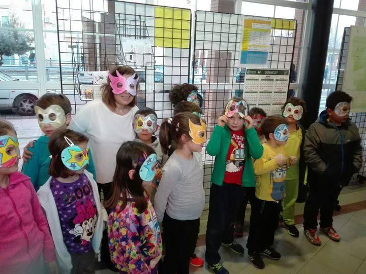La Biblioteca de Alovera se vistió de Carnaval