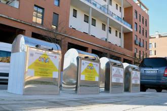 Entran en funcionamiento los contenedores soterrados de la azudense plaza 3 de Abril