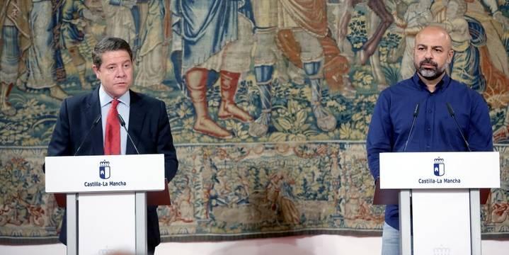 Page 'regala' parte de su Gobierno a Podemos para que le aprueben sus Presupuestos