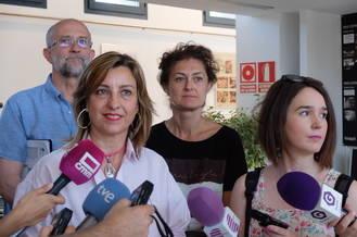 Encarnación Jiménez visita a los participantes en Juegópolis y en la ludoteca de verano