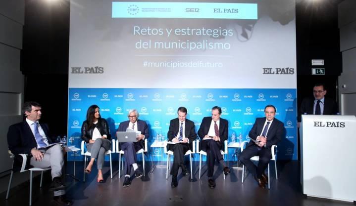 """El alcalde de Guadalajara participa en el foro """"Retos y estrategias del municipalismo"""""""