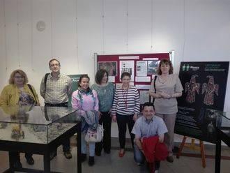 La Biblioteca de Alovera acoge una exposición sobre fíbulas y época visigoda
