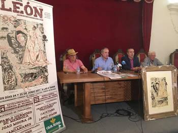 Felipe Zapico, Gustavo Postigo, Adolfo Alonso y Salvador Mínguez, de izda a derecha, durante la presentación del cartel de la Feria Taurina este viernes en León