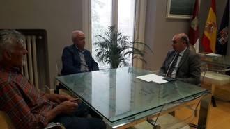 El presidente de la Diputación se reúne con alcaldes de varios municipios para conocer sus necesidades