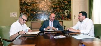 Diputación Provincial y Cáritas Diocesana renuevan el convenio de colaboración