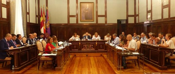 Diputación renueva el convenio de colaboración con la Universidad de Alcalá para impartir la cátedra 'Manu Leguineche'