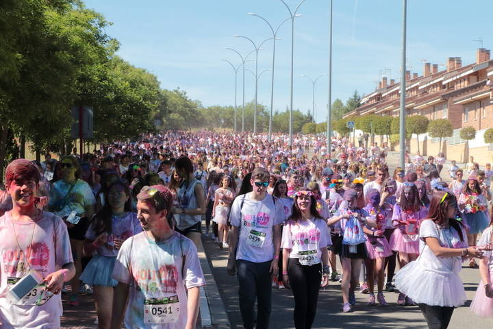 La fiesta del deporte y el color Holi Run se consolida en Guadalajara con la asistencia de más de 7.100 participantes