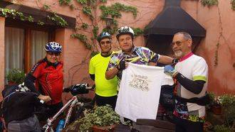 Los MediCID pasaron por Jadraque en bicicleta y al ritmo de su música