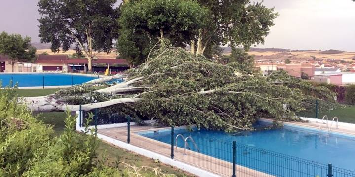 Una terrible tormenta asola toda la zona sur de la provincia de Guadalajara