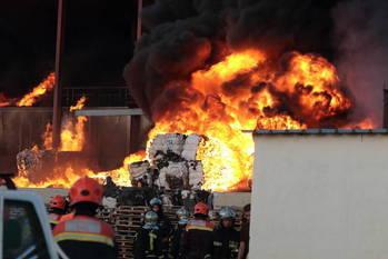 Multa de un millón de euros a la empresa gestora de la planta de residuos que ardió en Chiloeches