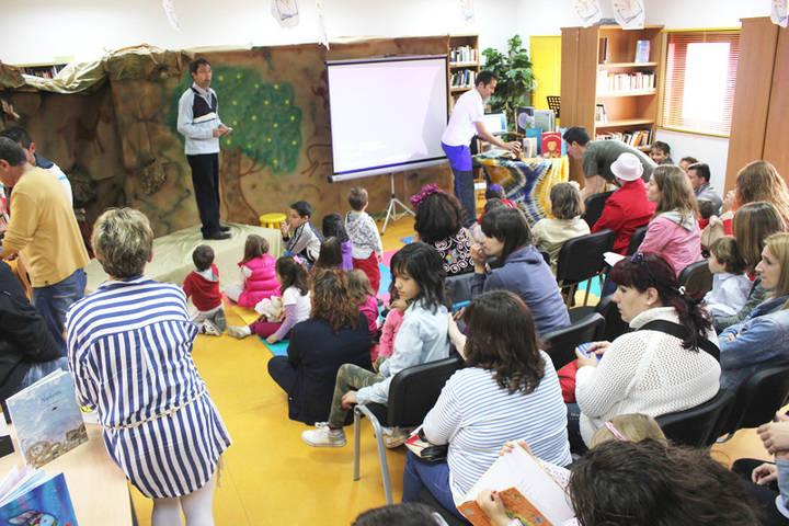 Las bibliotecas de Yebes y Valdeluz buscan contadores de historias para el V Maratón Viajero de los Cuentos
