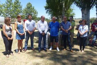 José Manuel Latre destaca la labor de los ganaderos y pastores en la XXXIII Feria del Ganado en Hiendelaencina