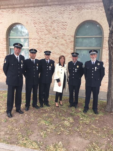 Cinco policías locales de Guadalajara reciben la Medalla a la Permanencia