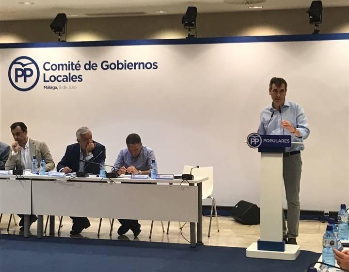 Román defiende en Málaga la necesidad de negociar la 'financiación local' y aplicar políticas fiscales moderadas