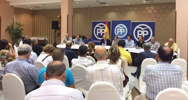 """Guarinos: """"El PP seguirá exigiendo a Page el cumplimiento de sus compromisos con Guadalajara, a la que tiene abandonada y olvidada"""""""