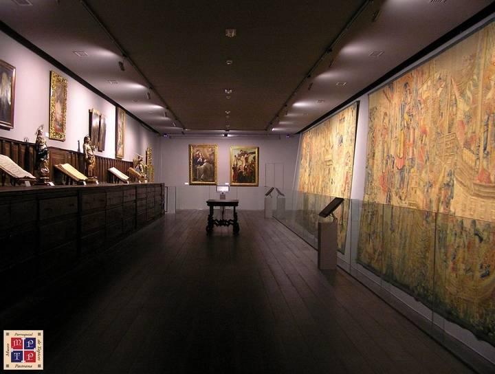 Pastrana celebra los 350 años de la llegada de sus tapices