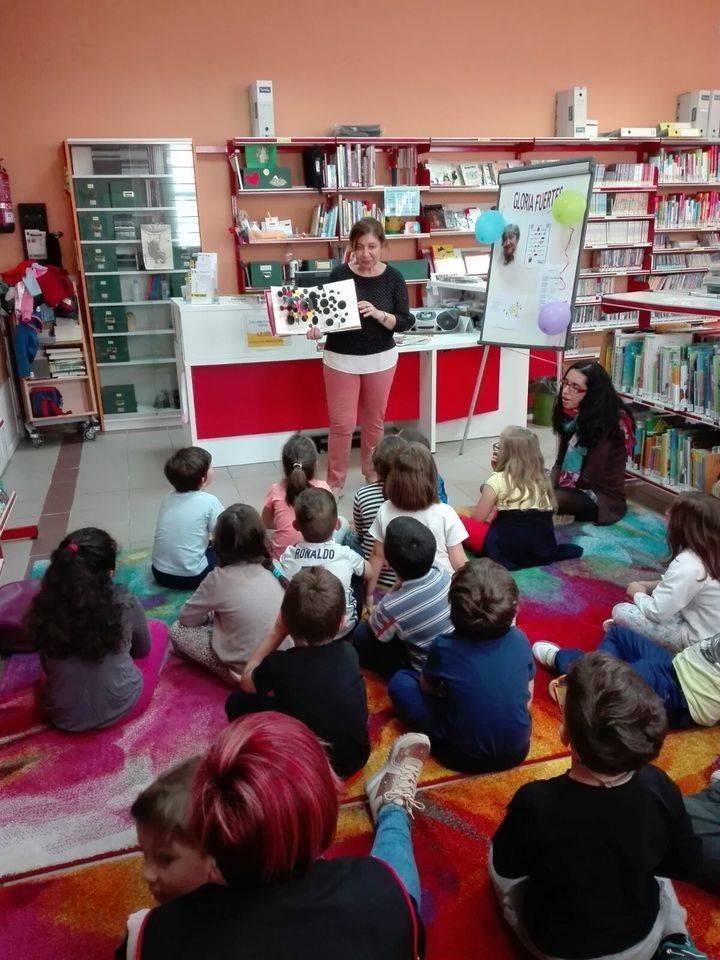 Alumnos del Virgen de la Paz participan en la formación de usuarios de la Biblioteca de Alovera