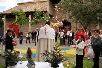 Las calles de Almonacid se llenarán de color con las Alfombras del Corpus este próximo domingo