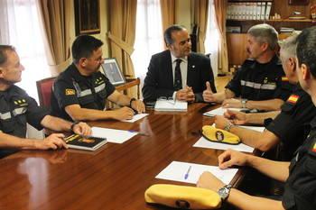 Gregorio se reúne con la UME para coordinar el trabajo durante el verano en Castilla-La Mancha