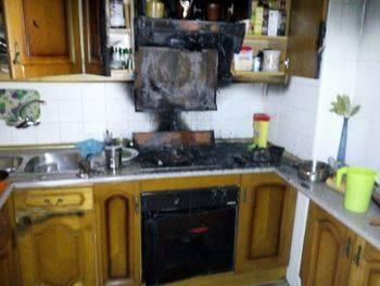 Desalojan tres viviendas en Brihuega tras un incendio