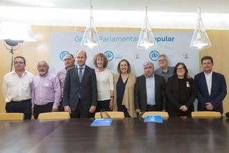 Los alcaldes ribereños se reúnen con el PP en el Congreso de los Diputados para aunar posturas en torno al agua