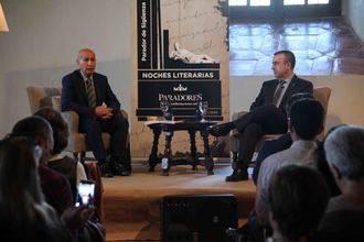 Lorenzo Silva protagonizó una nueva velada literaria en Sigüenza