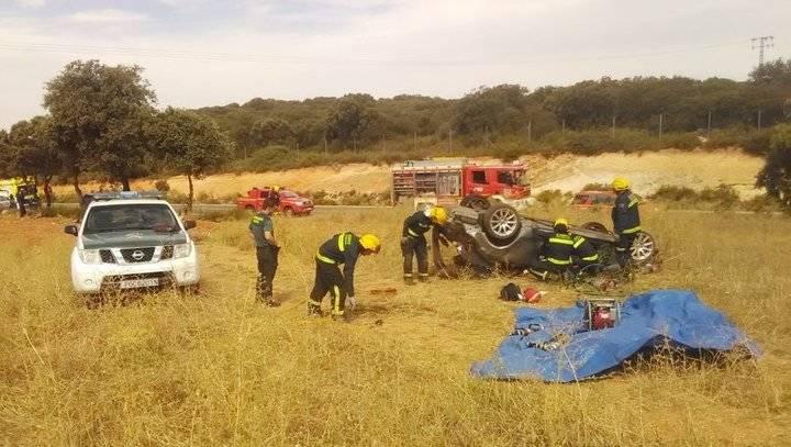 Muere un hombre de 40 años y una mujer herida en un accidente de tráfico en Yebra