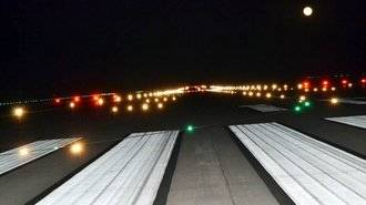 El aeropuerto de Ciudad Real deja operativas las luces de pista para su apertura.. ya solo faltan... los aviones