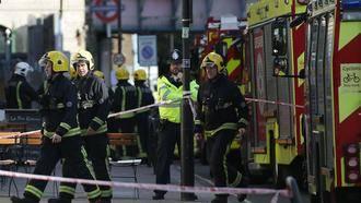 ÚLTIMA HORA : Al menos 20 heridos en un atentado terrorista en el Metro de Londres