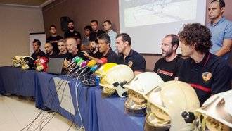 Los bomberos de Albacete denuncian falta de coordinación y que la Junta de Page no les dejó trabajar al inicio del incendio de Yeste