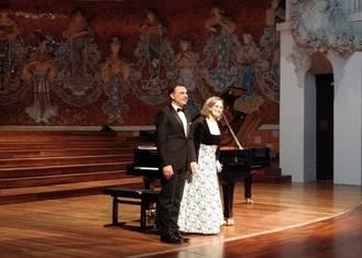 El Palau de la Música Catalana se rinde al arte de Carles & Sofia piano duo