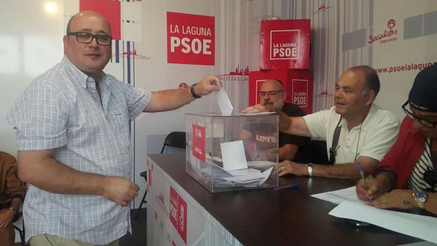 """Se pasa siete pueblos un concejal del PSOE : """"Yo a follar con empleadas que pongo yo y enchufo yo"""""""