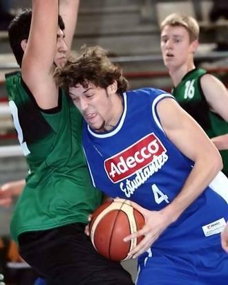 El ala pivot madrileño Daniel Yusta, cuarto fichaje de Isover Basket Azuqueca