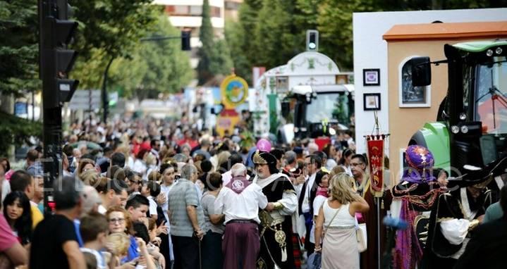 100.000 personas en la cabalgata y apertura de la Puerta de Hierros de la Feria de Albacete