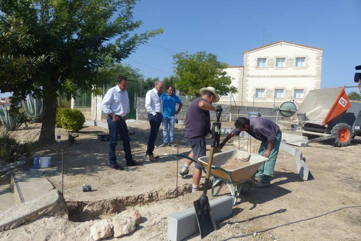 La Diputación facilita la contratación de 13 personas en Albares y Albalate de Zorita