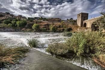 Hallan el cadáver de una mujer en el Tajo a su paso por Toledo