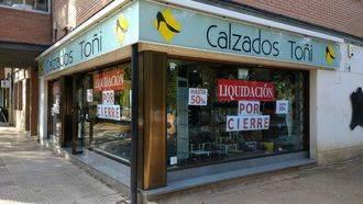 Descuentos de hasta el 50% en la liquidación por cierre de Calzados Toñi